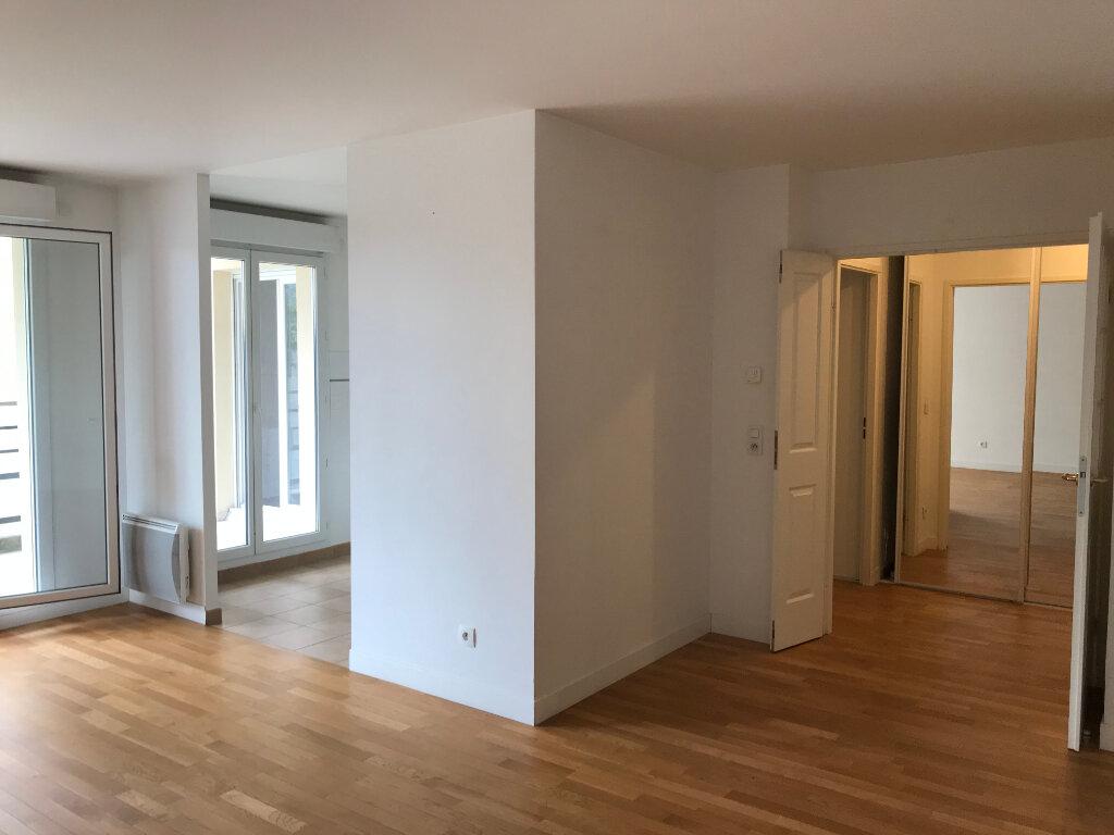 Appartement à louer 2 52m2 à Châtillon vignette-2