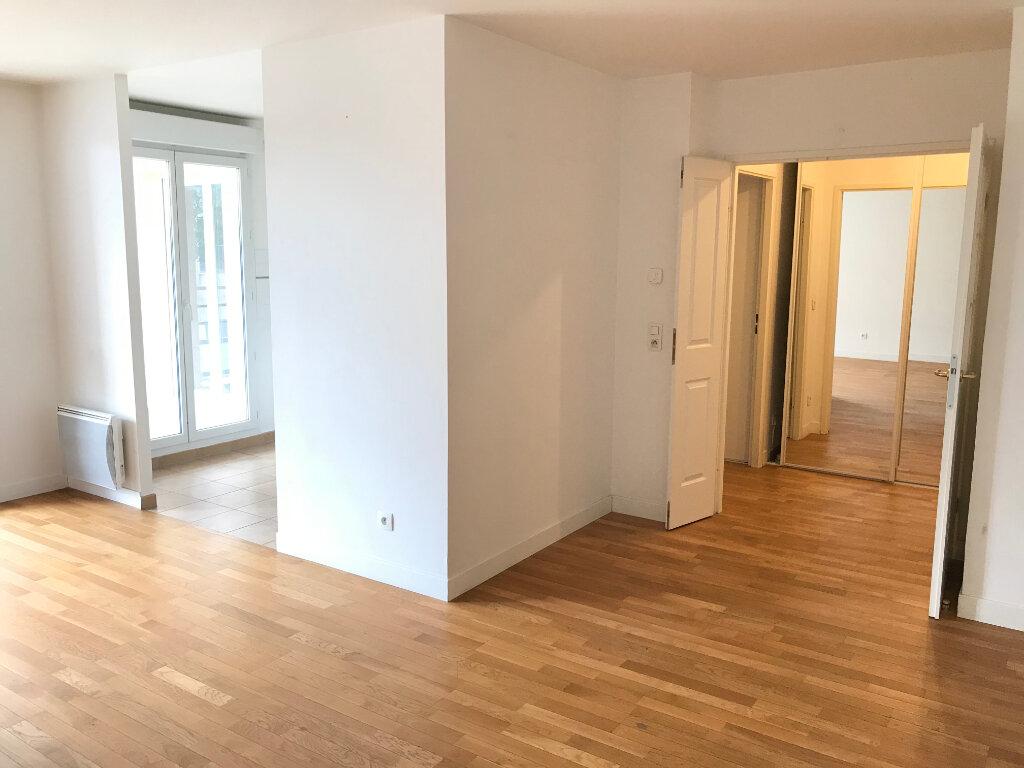 Appartement à louer 2 52m2 à Châtillon vignette-3