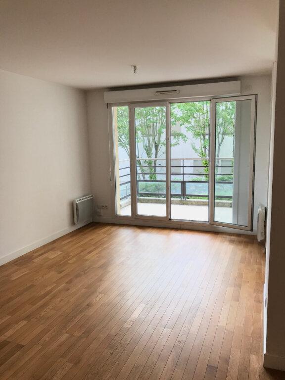 Appartement à louer 2 52m2 à Châtillon vignette-4