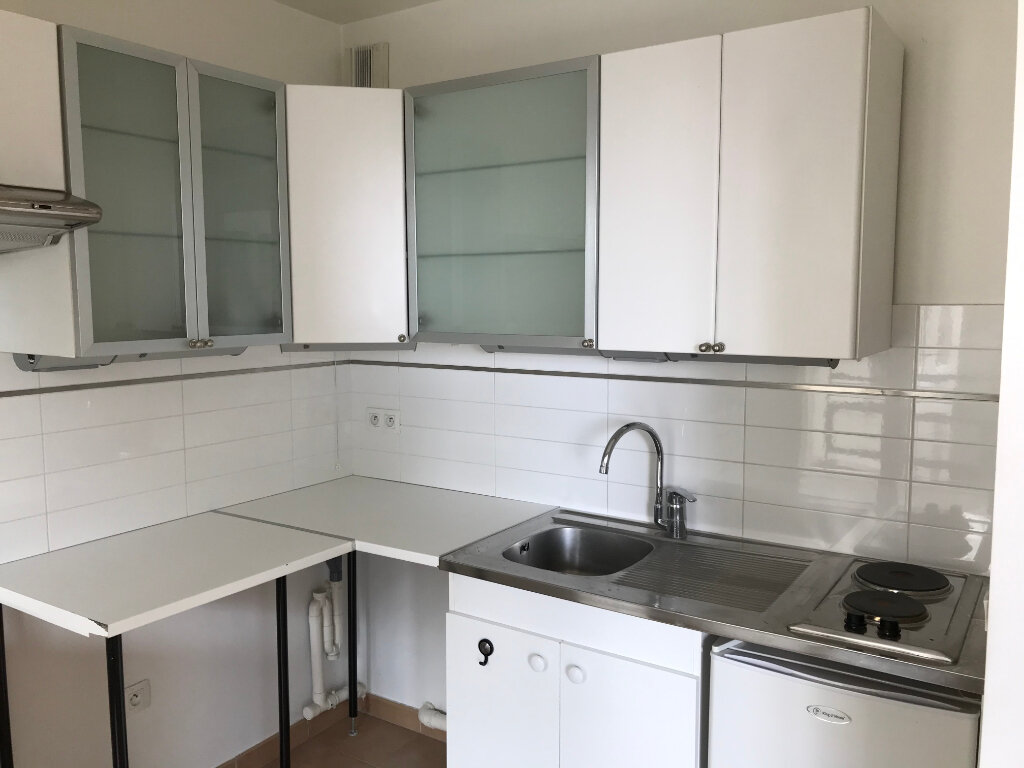 Appartement à louer 2 52m2 à Châtillon vignette-7