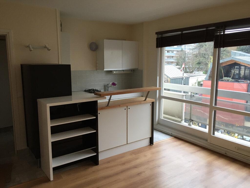 Appartement à louer 1 25.63m2 à Châtillon vignette-1