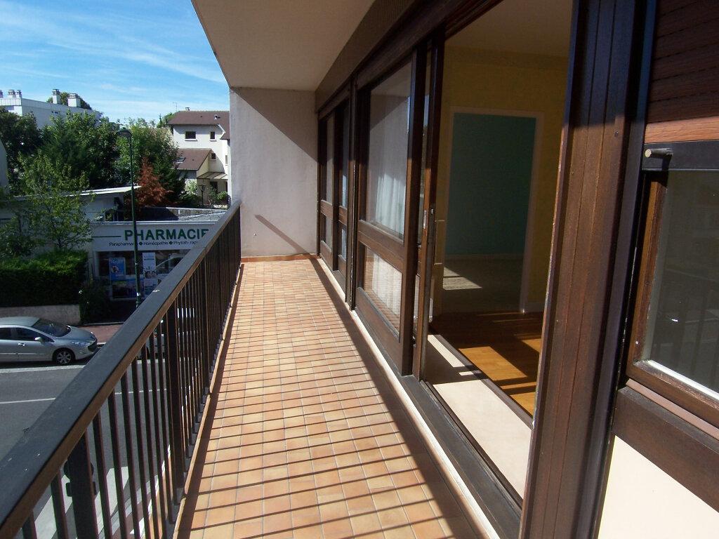 Appartement à louer 2 49.35m2 à Le Plessis-Robinson vignette-4