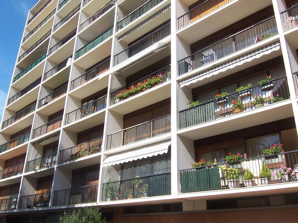 Appartement à louer 2 49.35m2 à Le Plessis-Robinson vignette-7