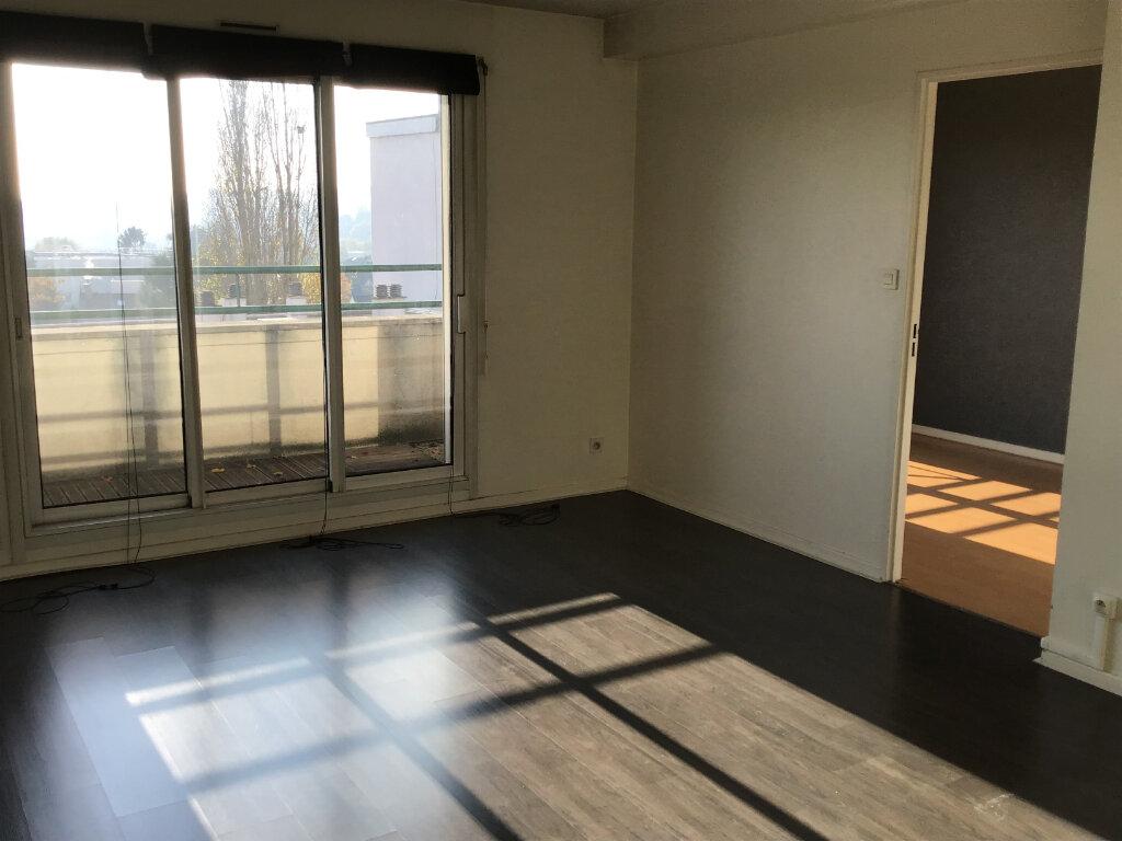 Appartement à louer 3 63.87m2 à Châtenay-Malabry vignette-2