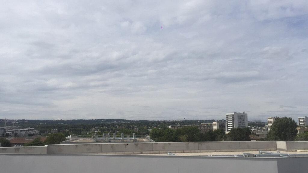 Appartement à louer 4 65.81m2 à Fresnes vignette-3