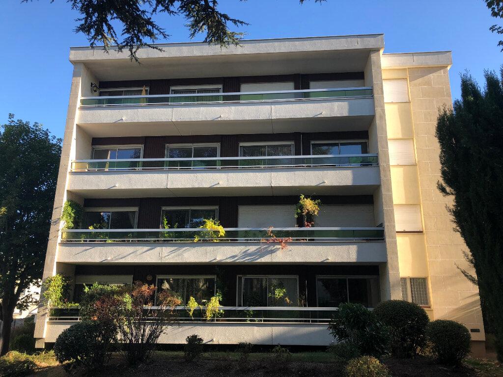 Appartement à louer 1 33.7m2 à Châtenay-Malabry vignette-7