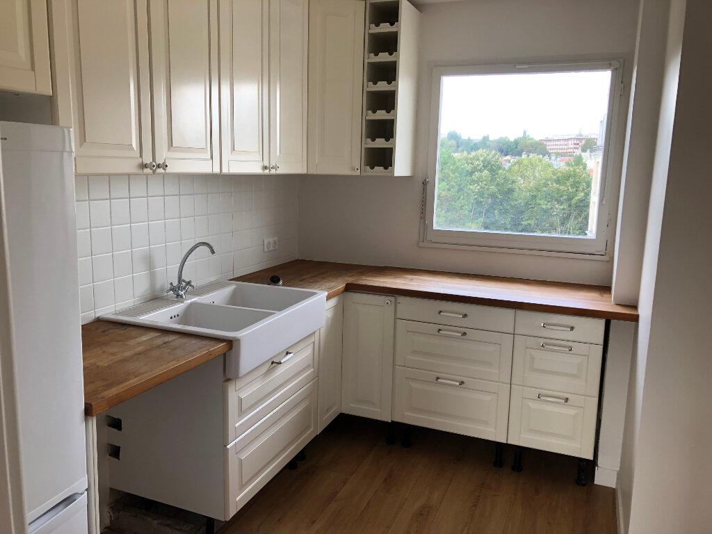Appartement à louer 4 66.38m2 à Sceaux vignette-2