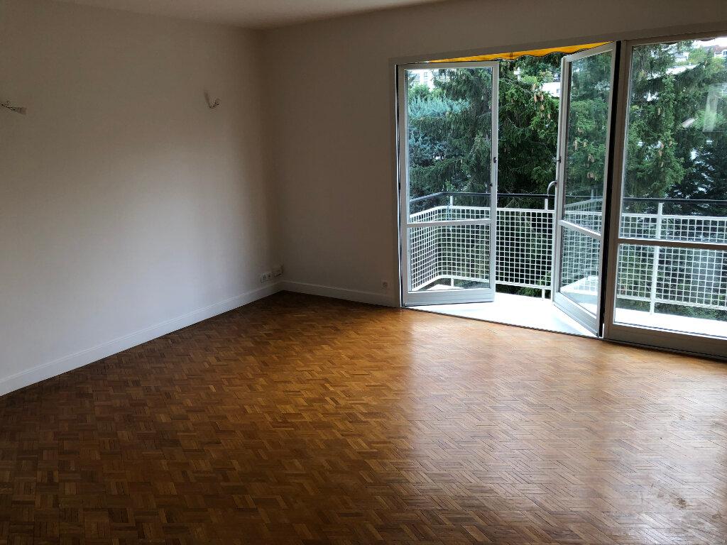 Appartement à louer 4 66.38m2 à Sceaux vignette-3