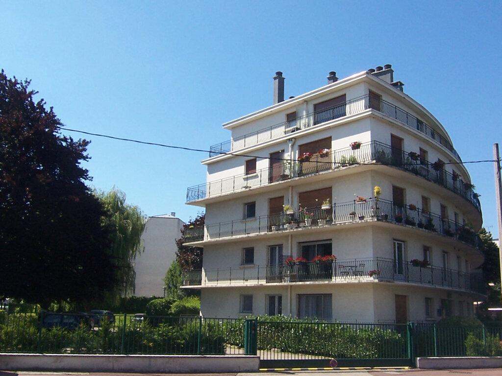 Appartement à louer 2 49.76m2 à Le Plessis-Robinson vignette-12