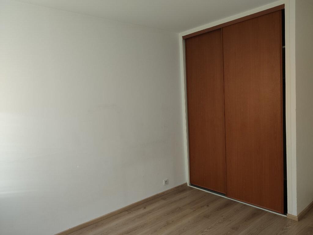 Appartement à louer 4 76.36m2 à Antony vignette-4