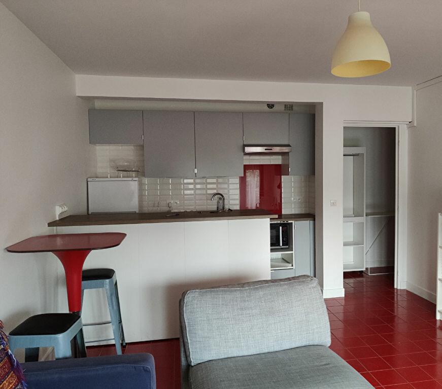 Appartement à louer 2 37.88m2 à Sceaux vignette-1