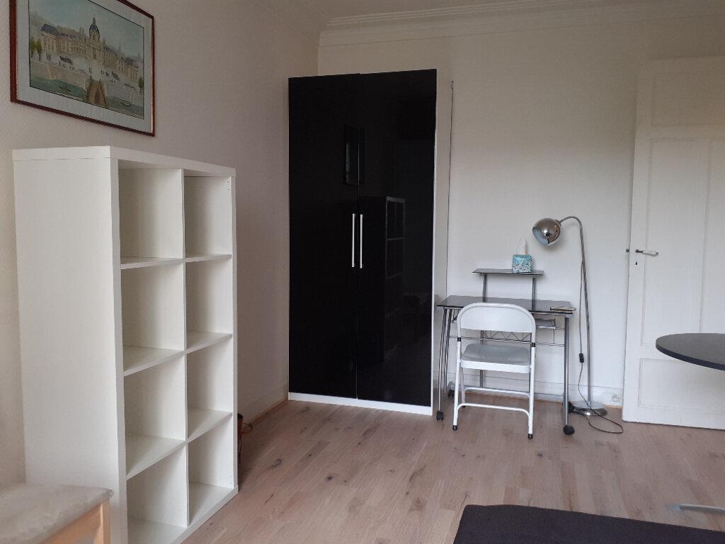 Appartement à louer 1 24.59m2 à Paris 15 vignette-7