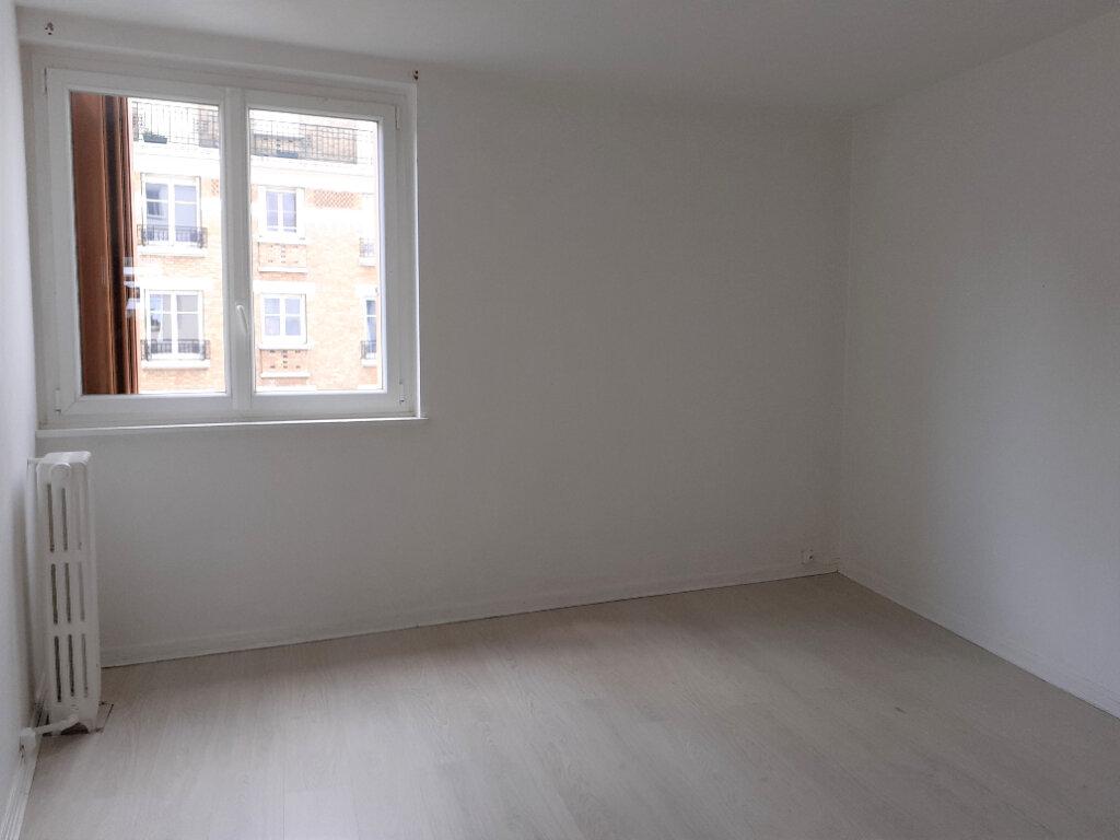 Appartement à louer 3 50m2 à Paris 15 vignette-6