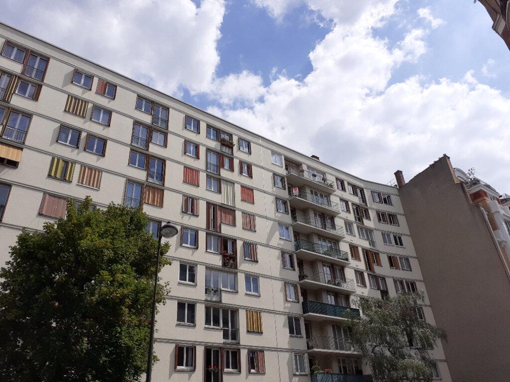Appartement à louer 3 50m2 à Paris 15 vignette-9
