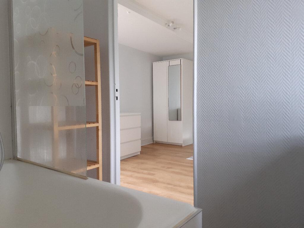 Appartement à louer 2 37.74m2 à Paris 15 vignette-11