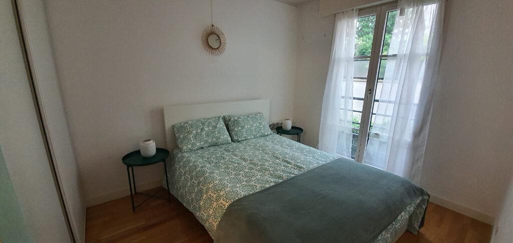Appartement à louer 3 59m2 à Paris 15 vignette-2