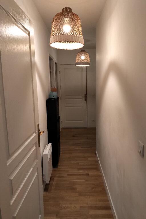 Appartement à louer 3 59m2 à Paris 15 vignette-5