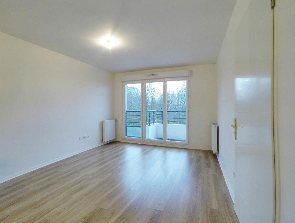 Appartement à louer 2 37.85m2 à Sucy-en-Brie vignette-2
