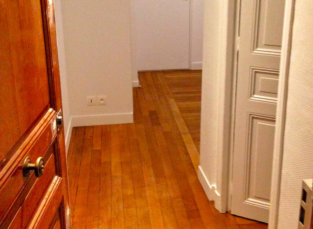 Appartement à louer 2 29.8m2 à La Varenne - Saint-Maur-des-Fossés vignette-2