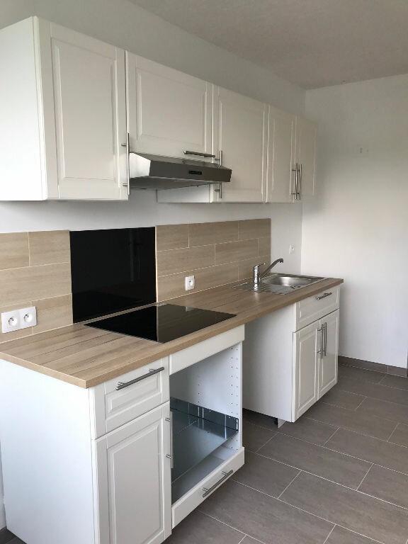 Appartement à louer 3 69m2 à Sucy-en-Brie vignette-2