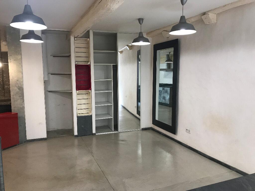 Appartement à louer 1 28m2 à Sucy-en-Brie vignette-2