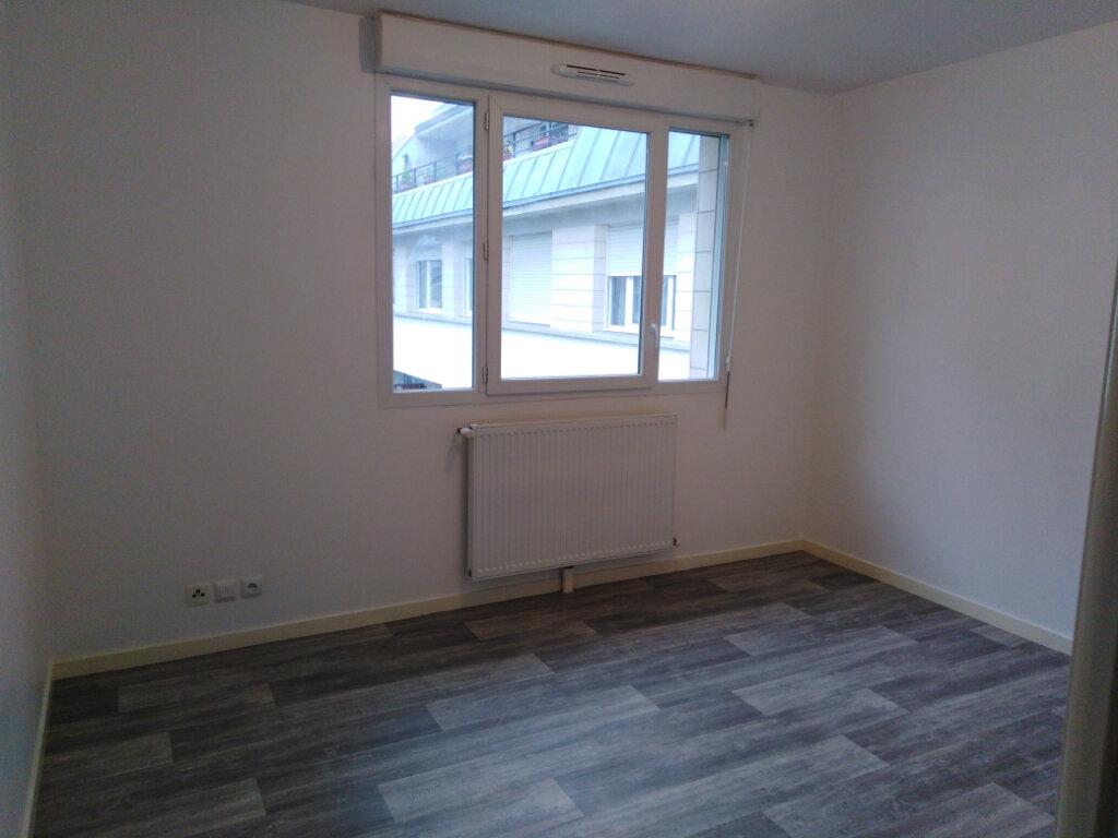 Appartement à louer 3 55.86m2 à Limeil-Brévannes vignette-2