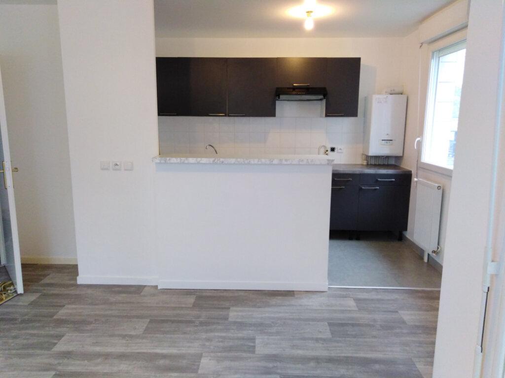 Appartement à louer 3 55.86m2 à Limeil-Brévannes vignette-3