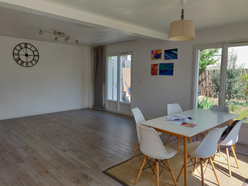 Maison à vendre 6 125m2 à Sucy-en-Brie vignette-2