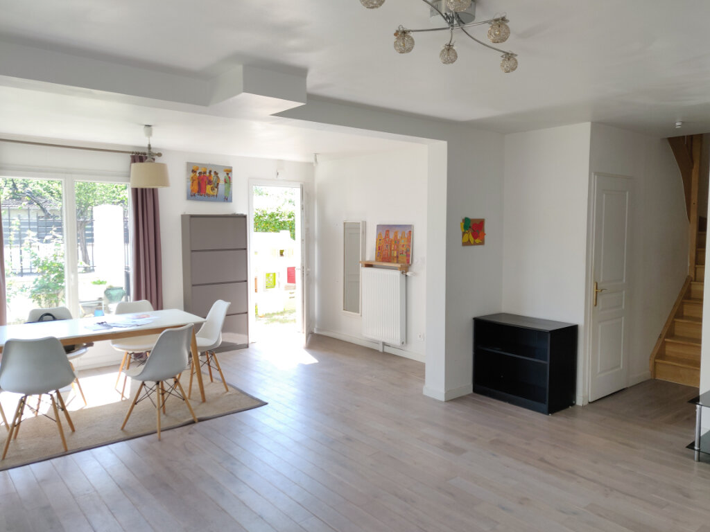 Maison à vendre 6 125m2 à Sucy-en-Brie vignette-3