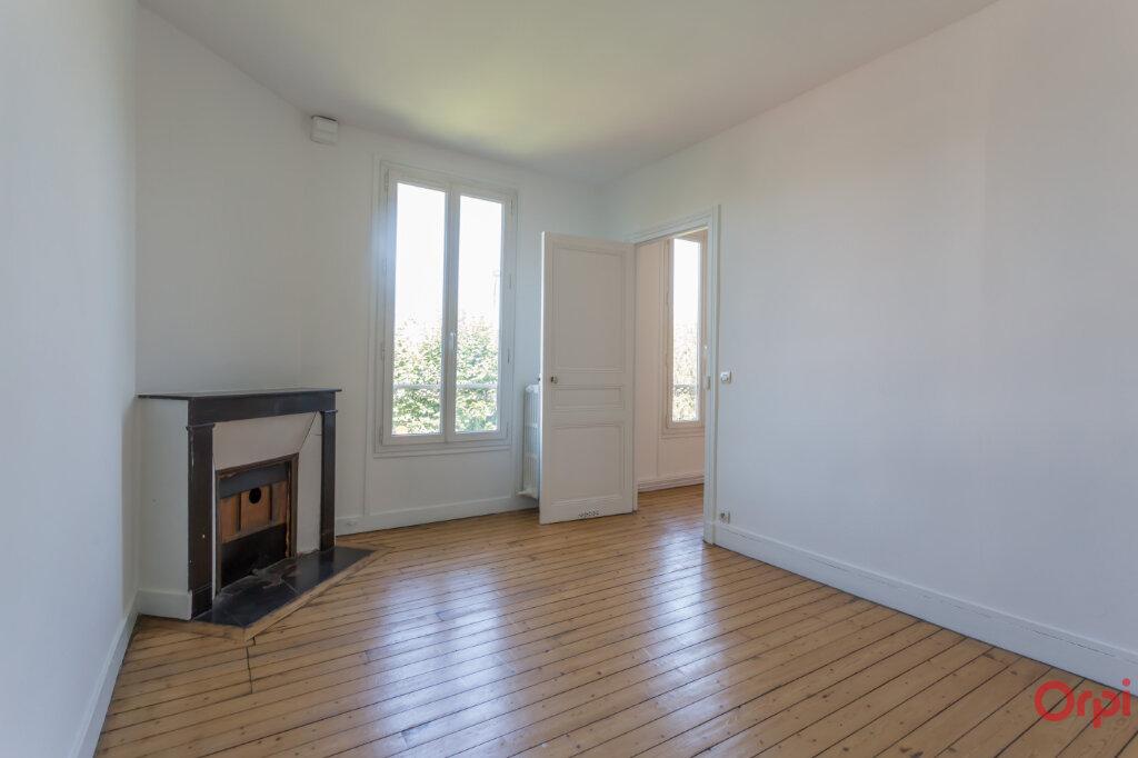 Maison à louer 8 175.3m2 à Sucy-en-Brie vignette-9