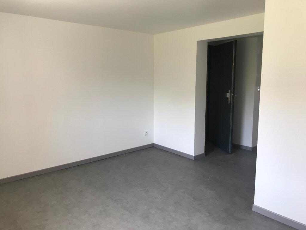 Appartement à louer 1 30.54m2 à Sucy-en-Brie vignette-3