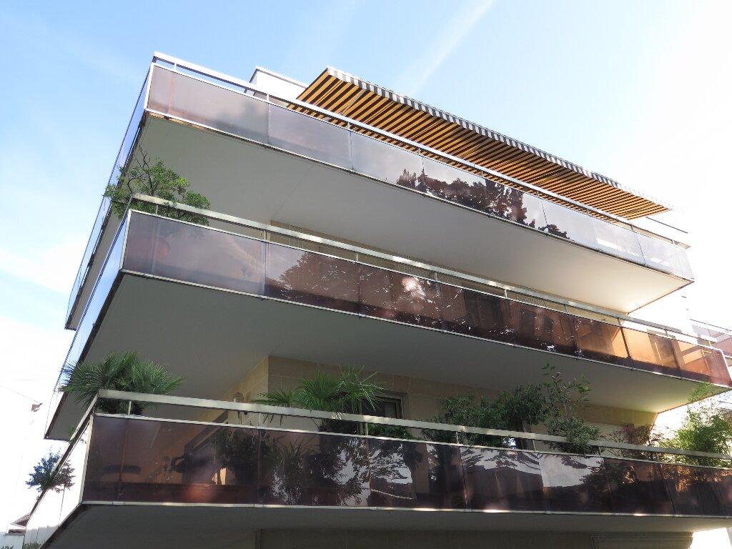 Appartement à louer 3 67.59m2 à Nogent-sur-Marne vignette-1