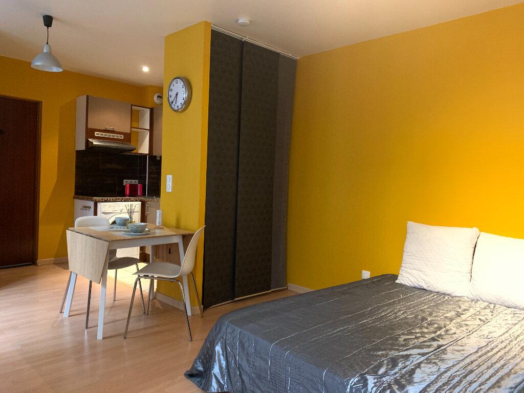 Appartement à louer 1 25.18m2 à Nogent-sur-Marne vignette-1