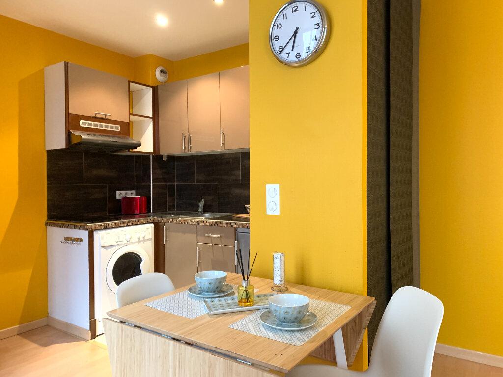 Appartement à louer 1 25.18m2 à Nogent-sur-Marne vignette-2