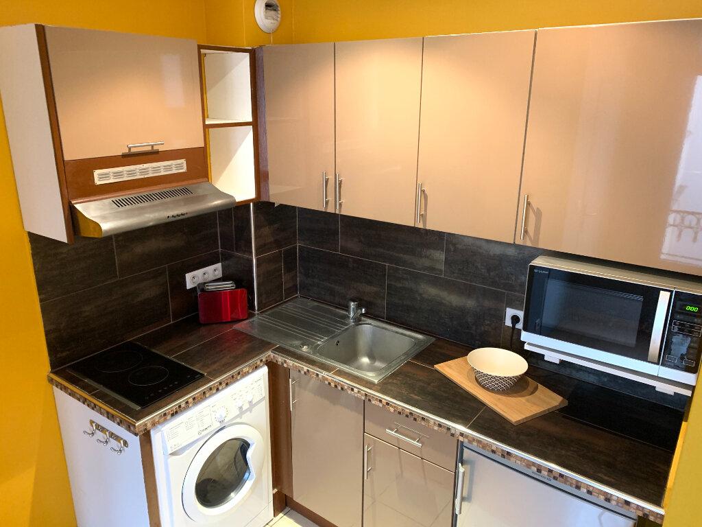 Appartement à louer 1 25.18m2 à Nogent-sur-Marne vignette-4