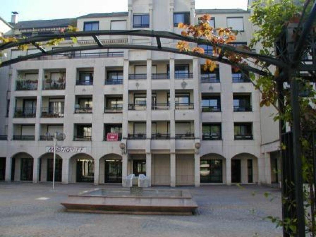Appartement à louer 2 52.27m2 à Nogent-sur-Marne vignette-1