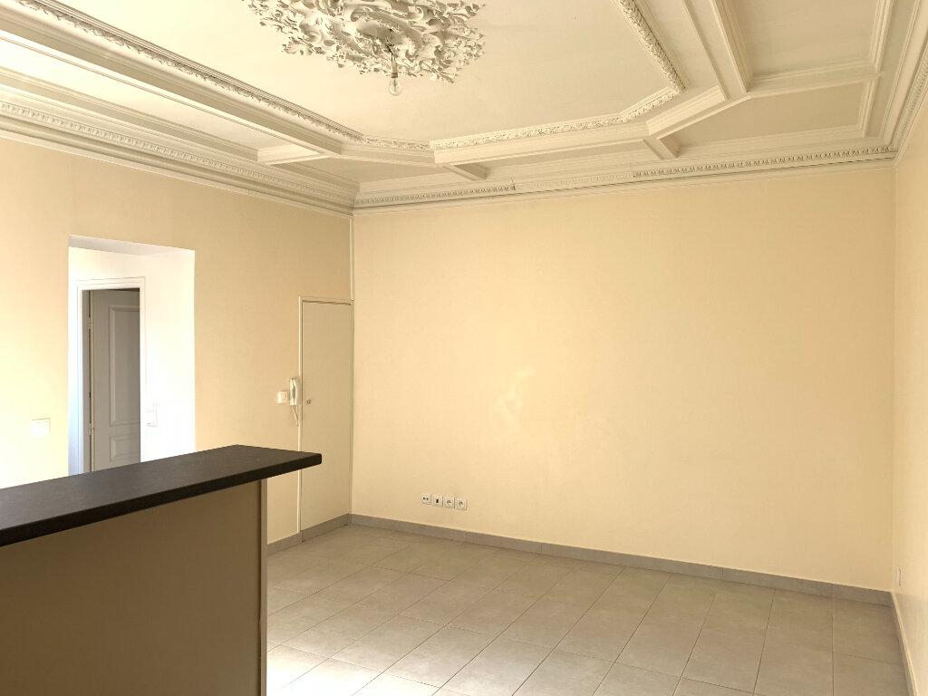 Appartement à louer 2 33.14m2 à Fontenay-sous-Bois vignette-2