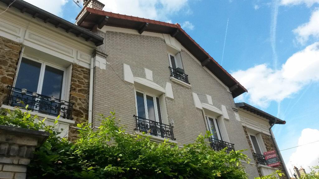 Appartement à louer 3 79.77m2 à Nogent-sur-Marne vignette-1