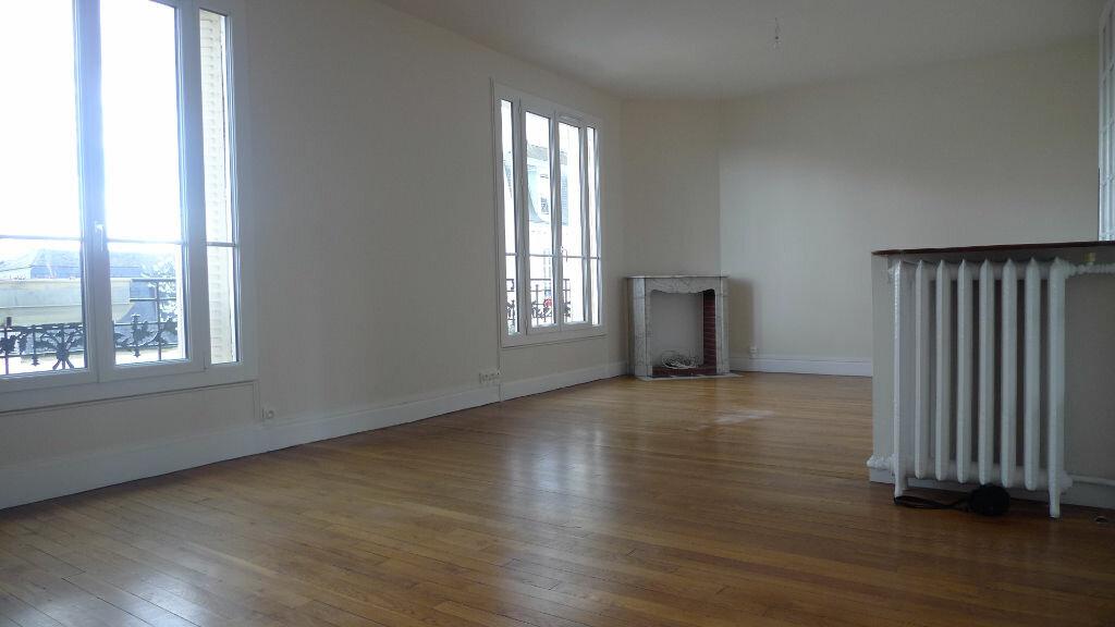 Appartement à louer 3 79.77m2 à Nogent-sur-Marne vignette-4