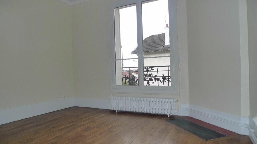 Appartement à louer 3 79.77m2 à Nogent-sur-Marne vignette-9