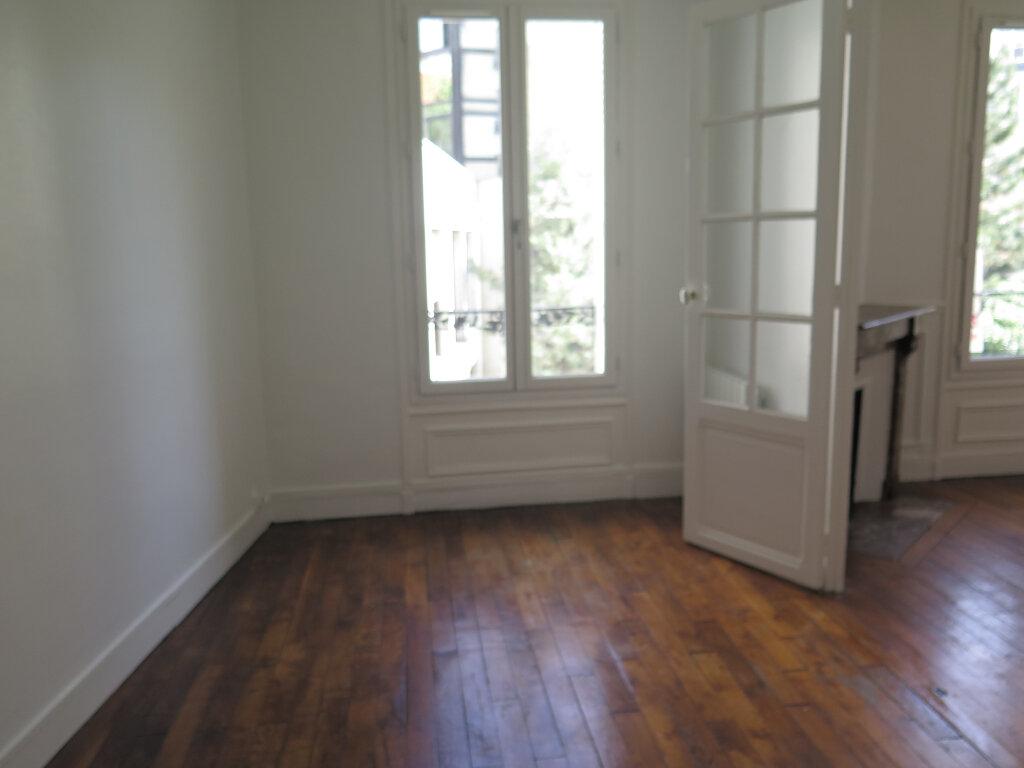 Appartement à louer 3 79.77m2 à Nogent-sur-Marne vignette-10