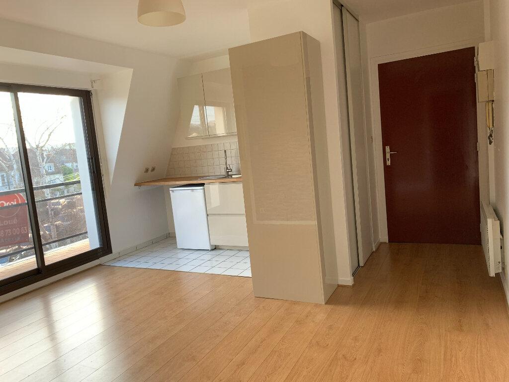 Appartement à louer 1 26.57m2 à Noisy-le-Grand vignette-1