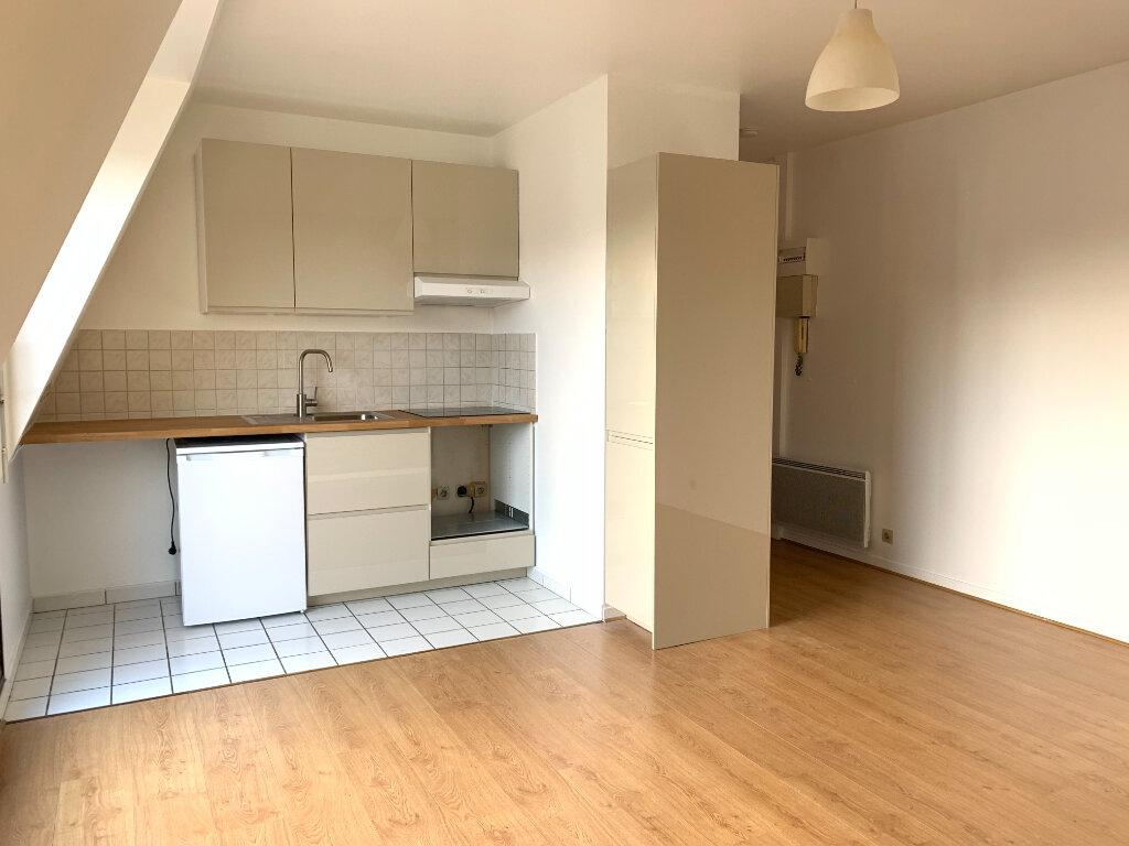 Appartement à louer 1 26.57m2 à Noisy-le-Grand vignette-2