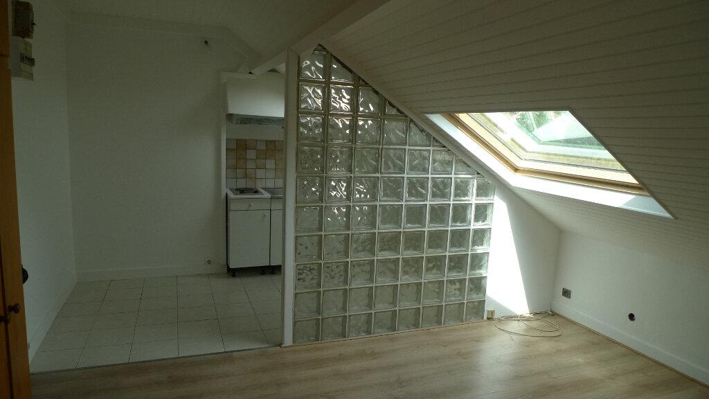 Appartement à louer 1 15.69m2 à Nogent-sur-Marne vignette-1
