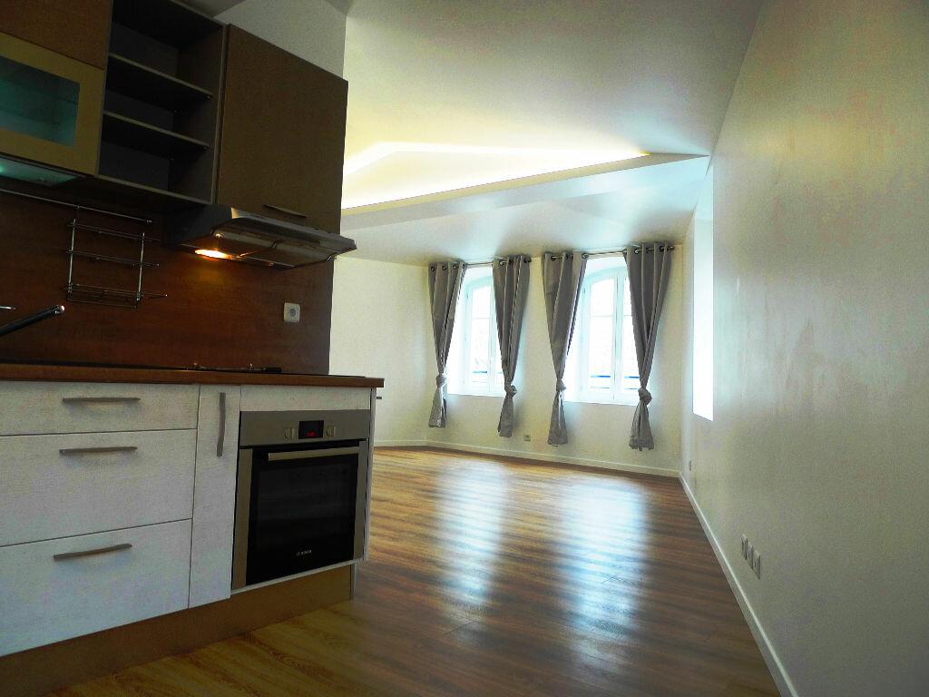 Appartement à louer 2 49.3m2 à Maisons-Alfort vignette-1