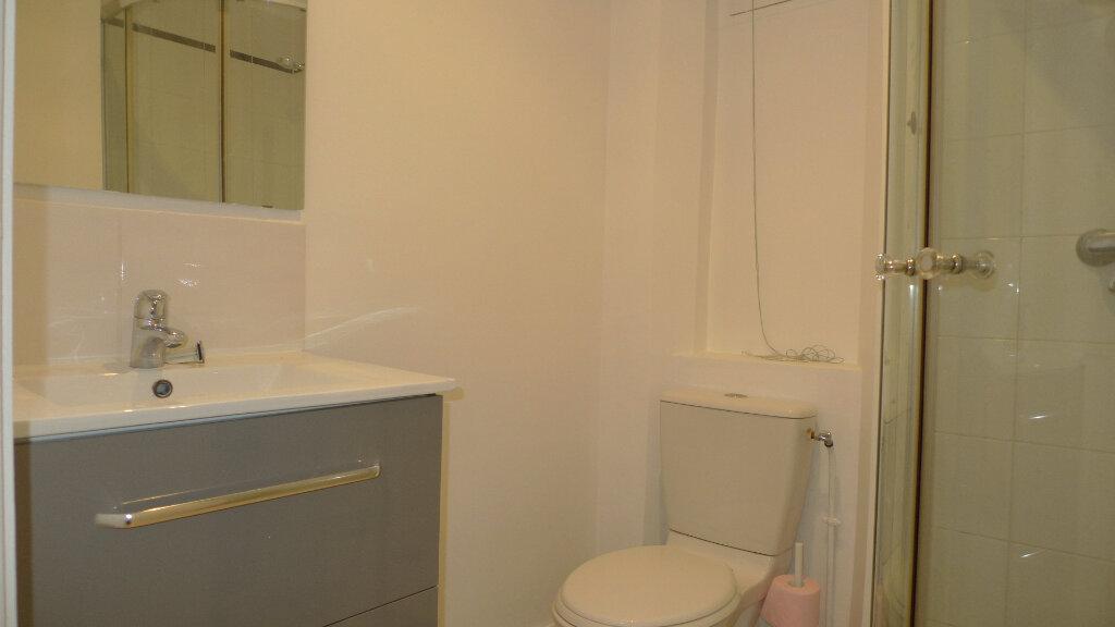 Appartement à louer 3 52.35m2 à Nogent-sur-Marne vignette-5