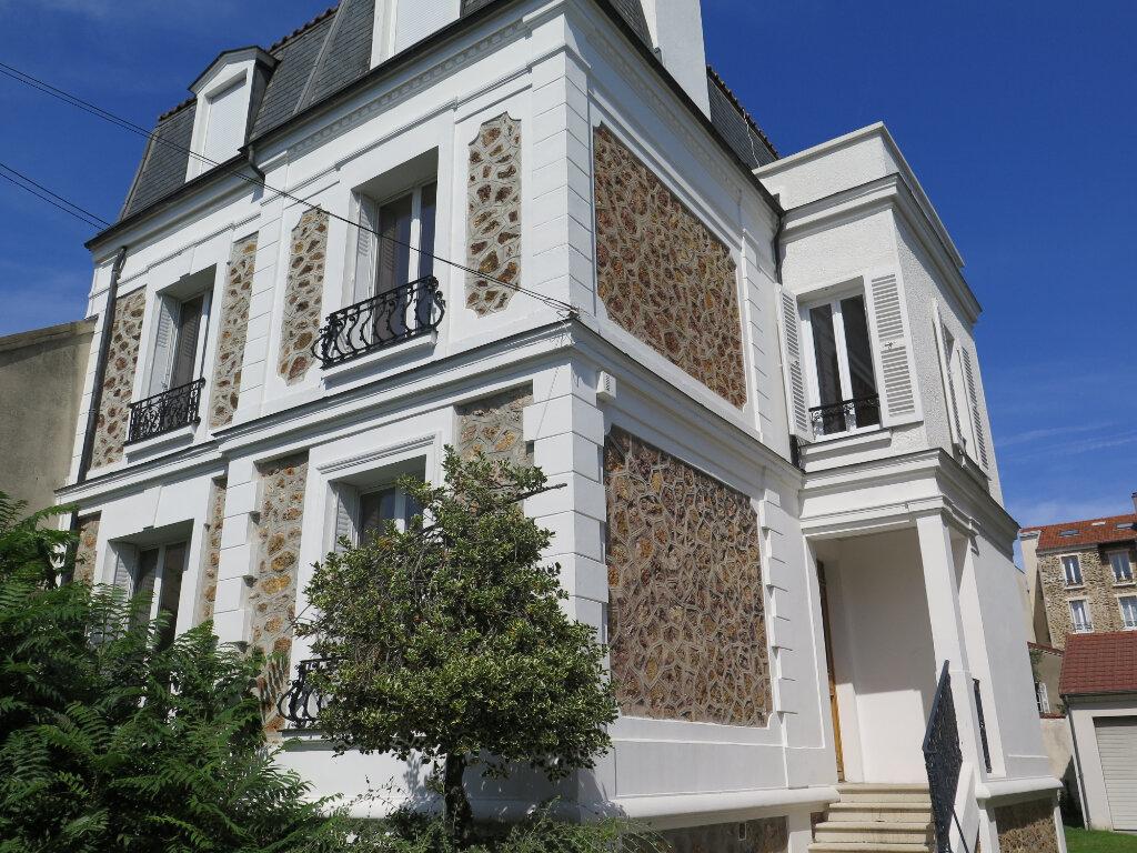 Maison à louer 7 154.06m2 à Le Perreux-sur-Marne vignette-1