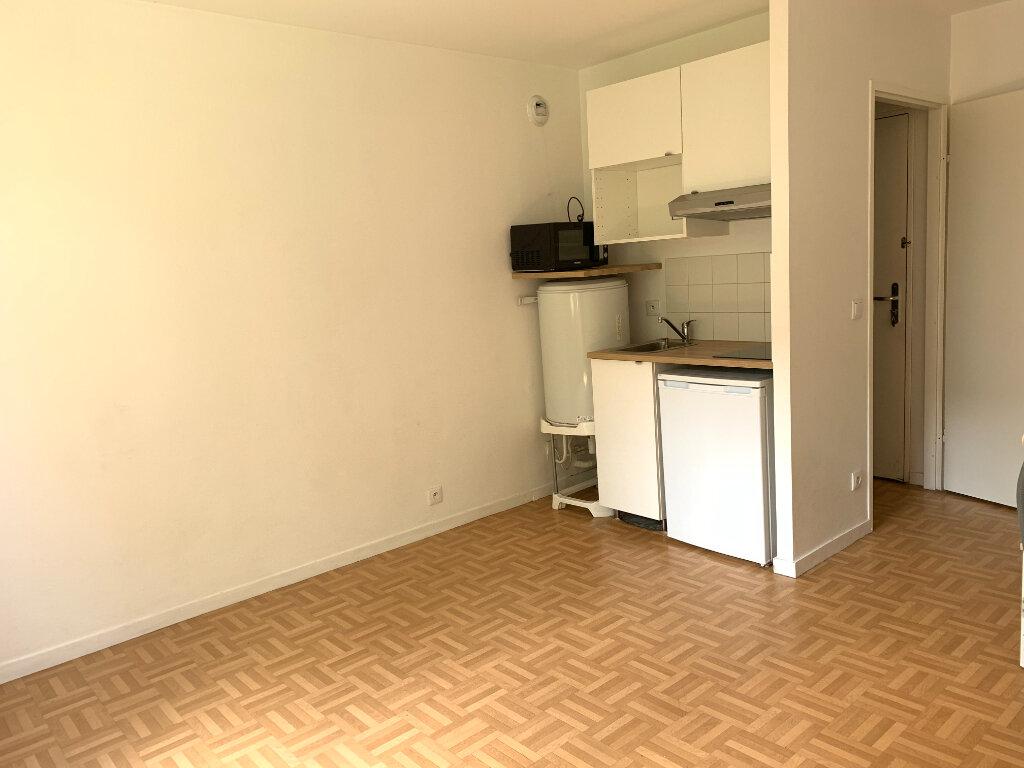 Appartement à louer 1 20.27m2 à Rosny-sous-Bois vignette-3