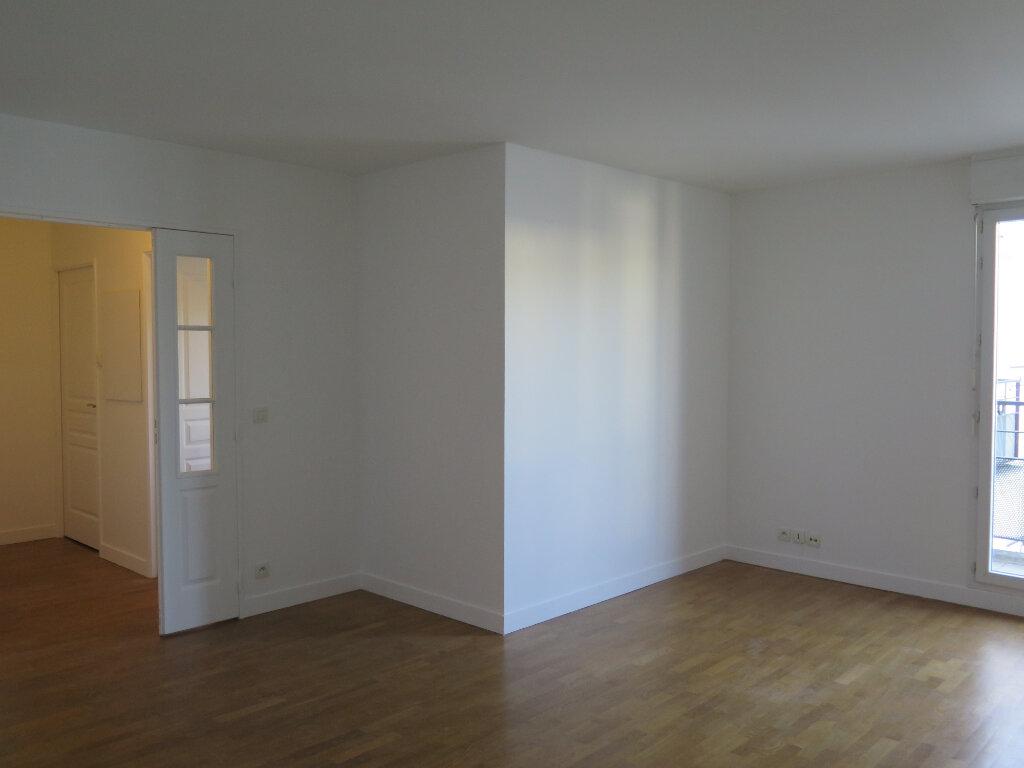 Appartement à louer 3 69.37m2 à Nogent-sur-Marne vignette-3
