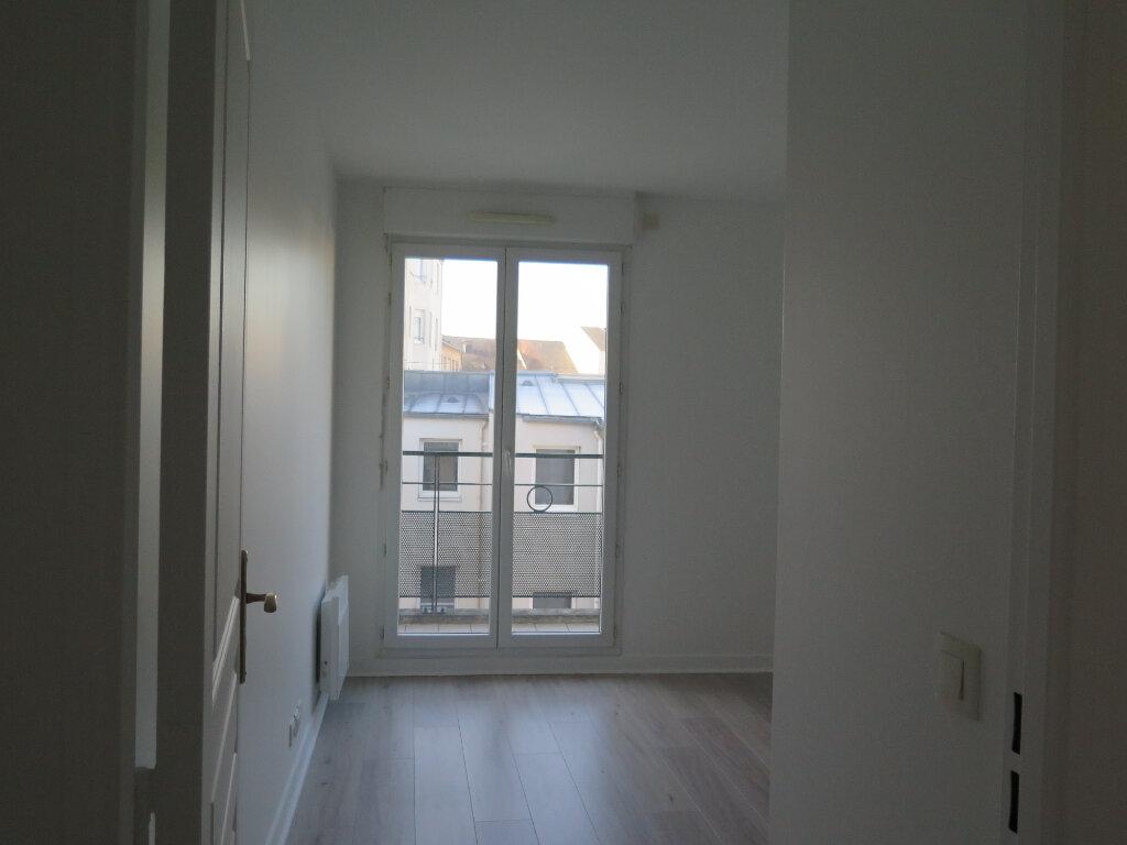 Appartement à louer 3 69.37m2 à Nogent-sur-Marne vignette-5